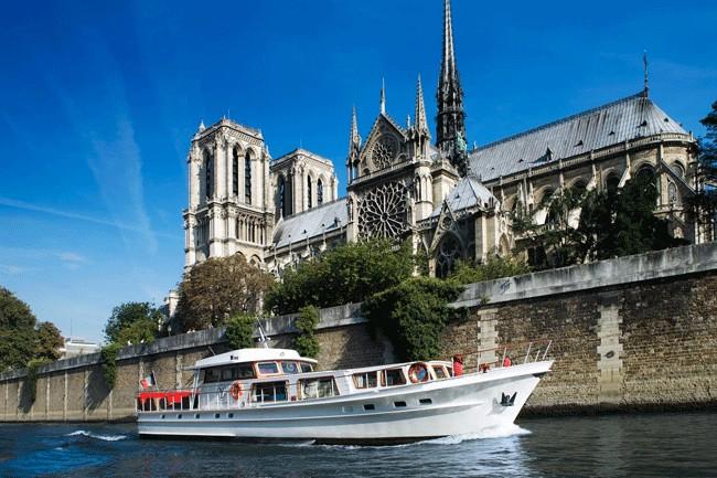 PARISIAN GOURMET GETAWAY WITHIN A LUXURY ECRIN