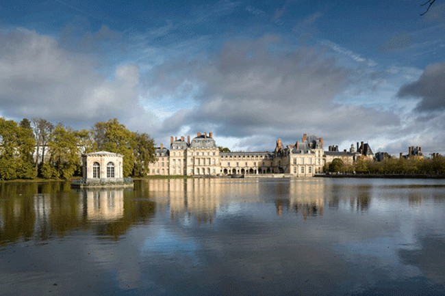 FONTAINEBLEAU, RESIDENCE OF KINGS