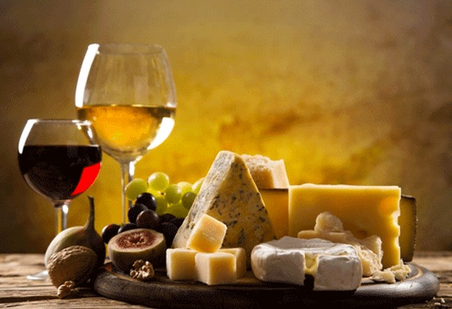 TASTING OF GREAT FRENCH WINES ACCOMPANIED BY REFINED CHEESES